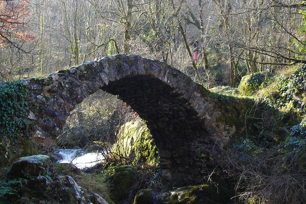 Pont à Peyrusse-le-Roc