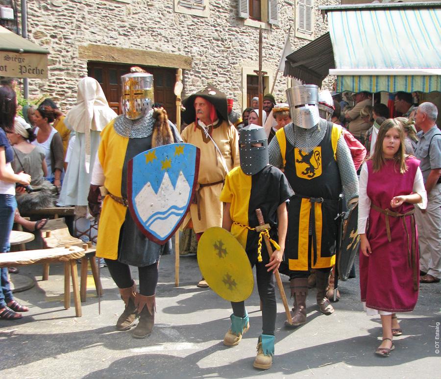 Les médiévales d'Estaing © OT Estaing