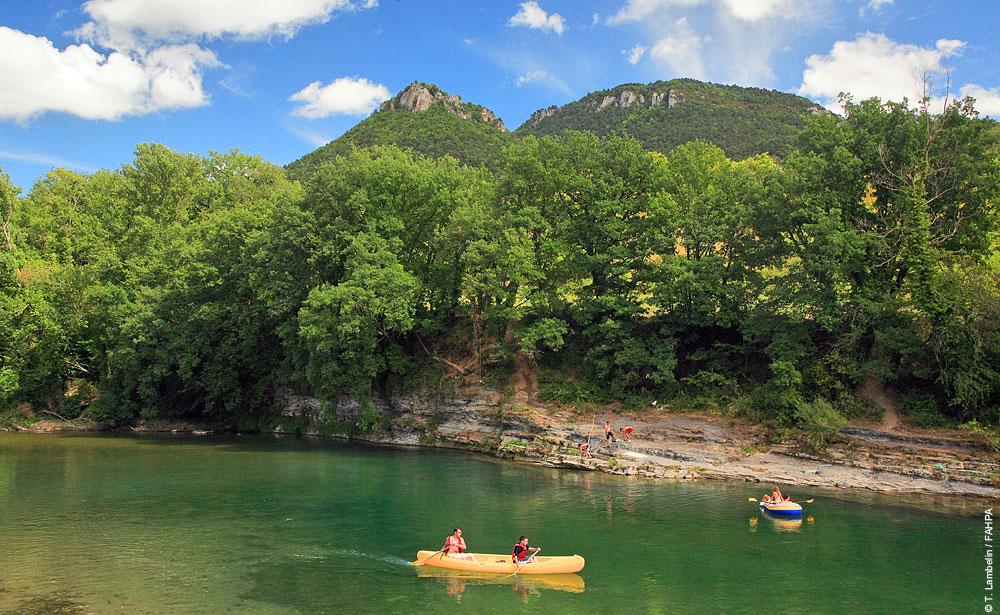 Canoe-Gorges-tarn©T.Lambelin-FAHPA