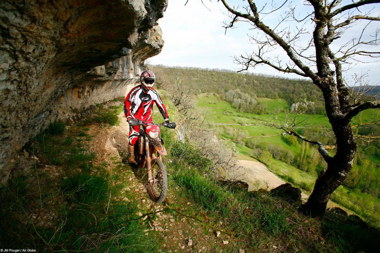 Moto Aveyron © JM Pouget / Air Globe
