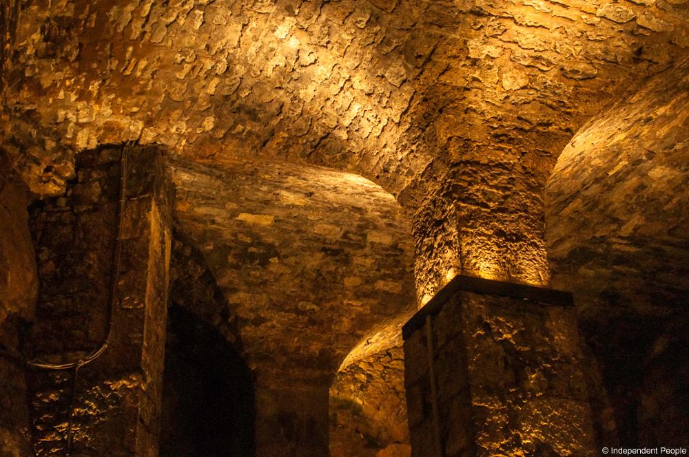 Cave-Roquefort©Independent-People