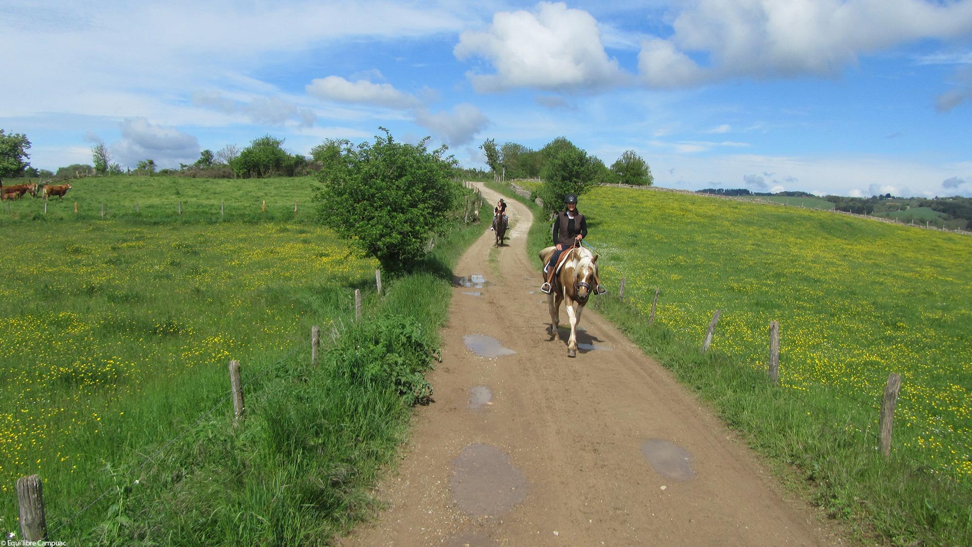 Rando Equestre en Aveyron © Equilibre Campuac