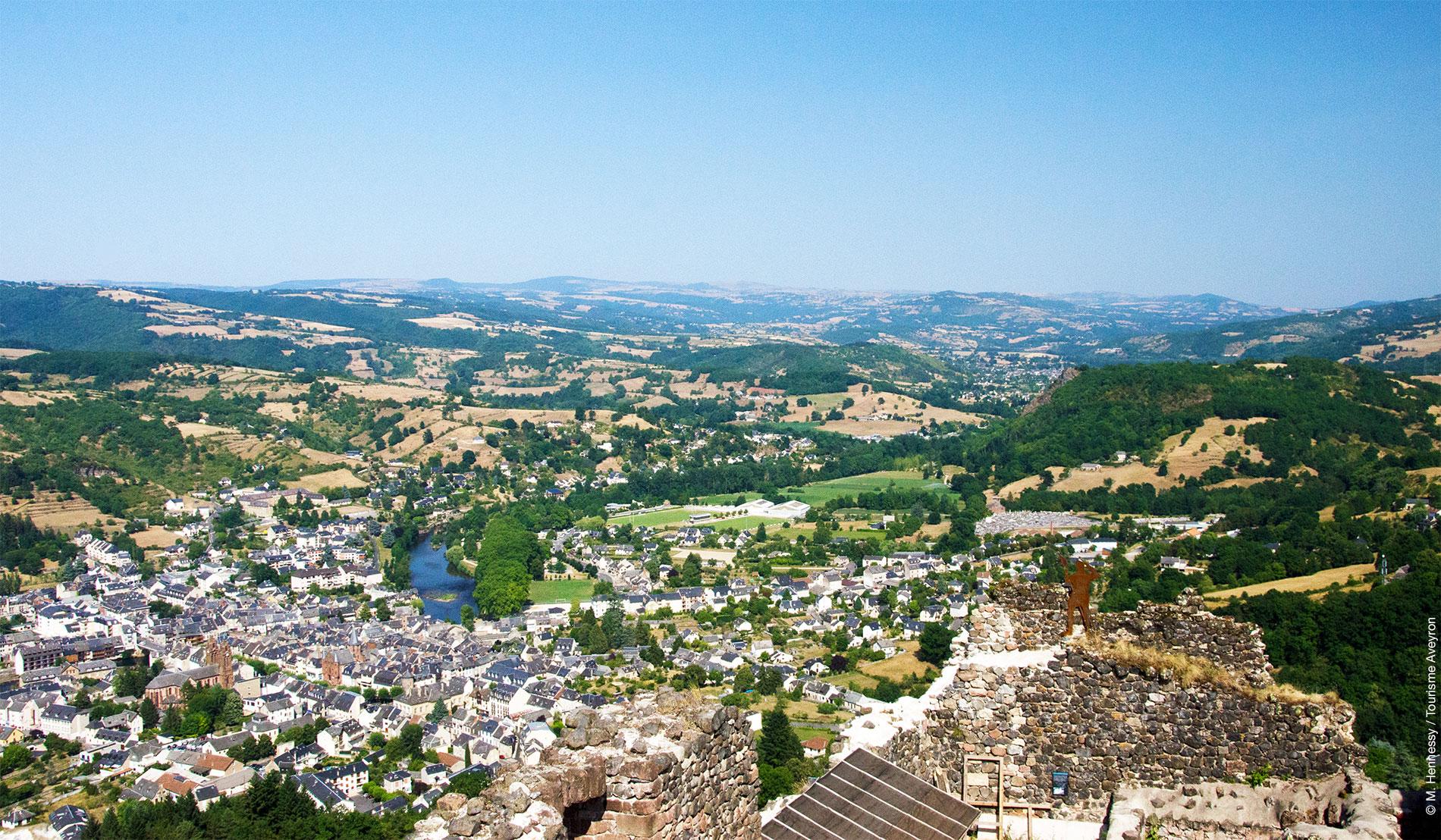 Château de Calmont d'Olt - panorama © M. Hennessy / Tourisme Aveyron