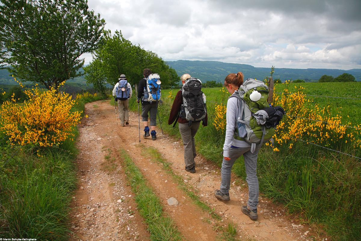 Pelerins sur le chemin de St Jacques de Compostelle © Martin Schulte-Kellinghans