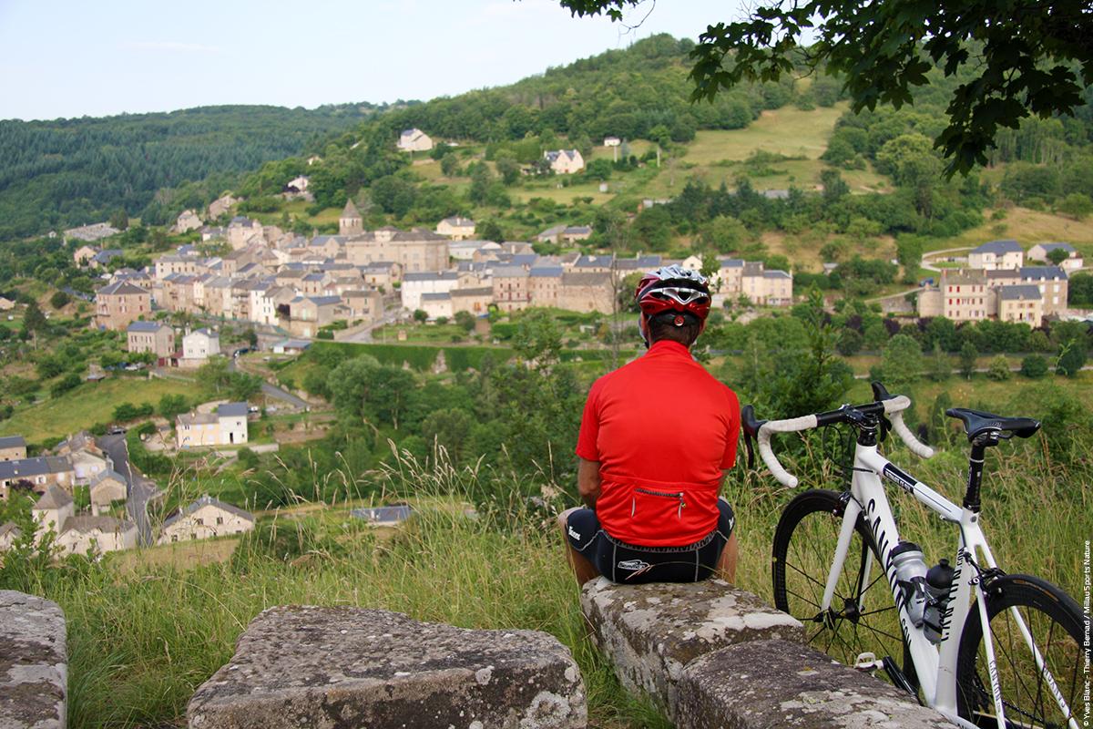 Cyclo Chateau de St Beauzély © Yves Blanc - Thierry Bernad - Millau Sports Nature