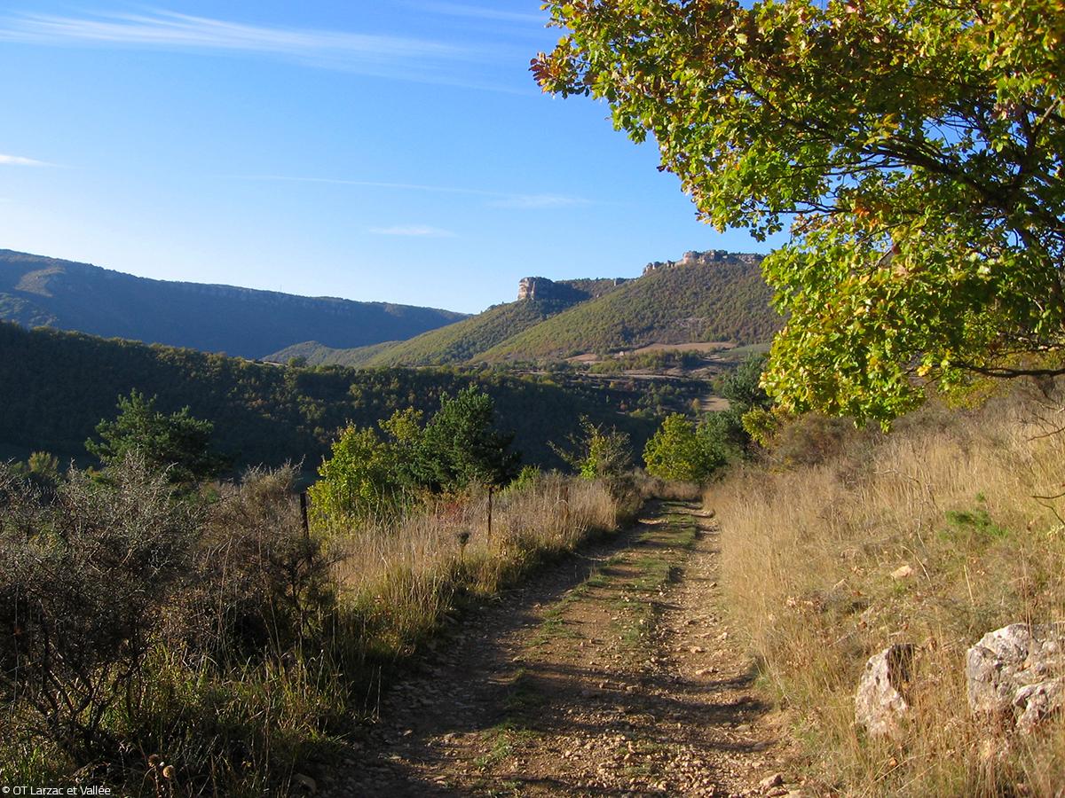 Chemin de randonnée Nant © OT Larzac et Vallées
