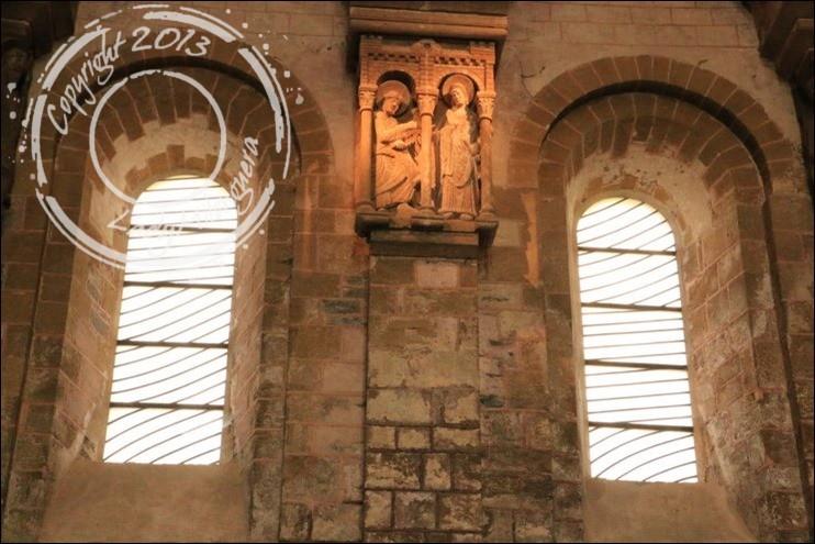 Abbatiale Sainte-Foy de Conques © Talons hauts et sac à dos