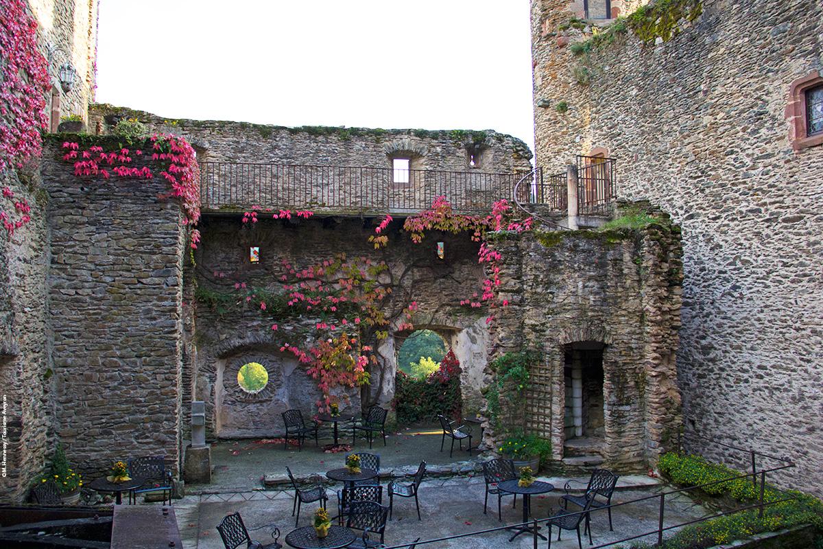 Château de Belcastel, Aveyron © M. Hennessy / Tourisme Aveyron