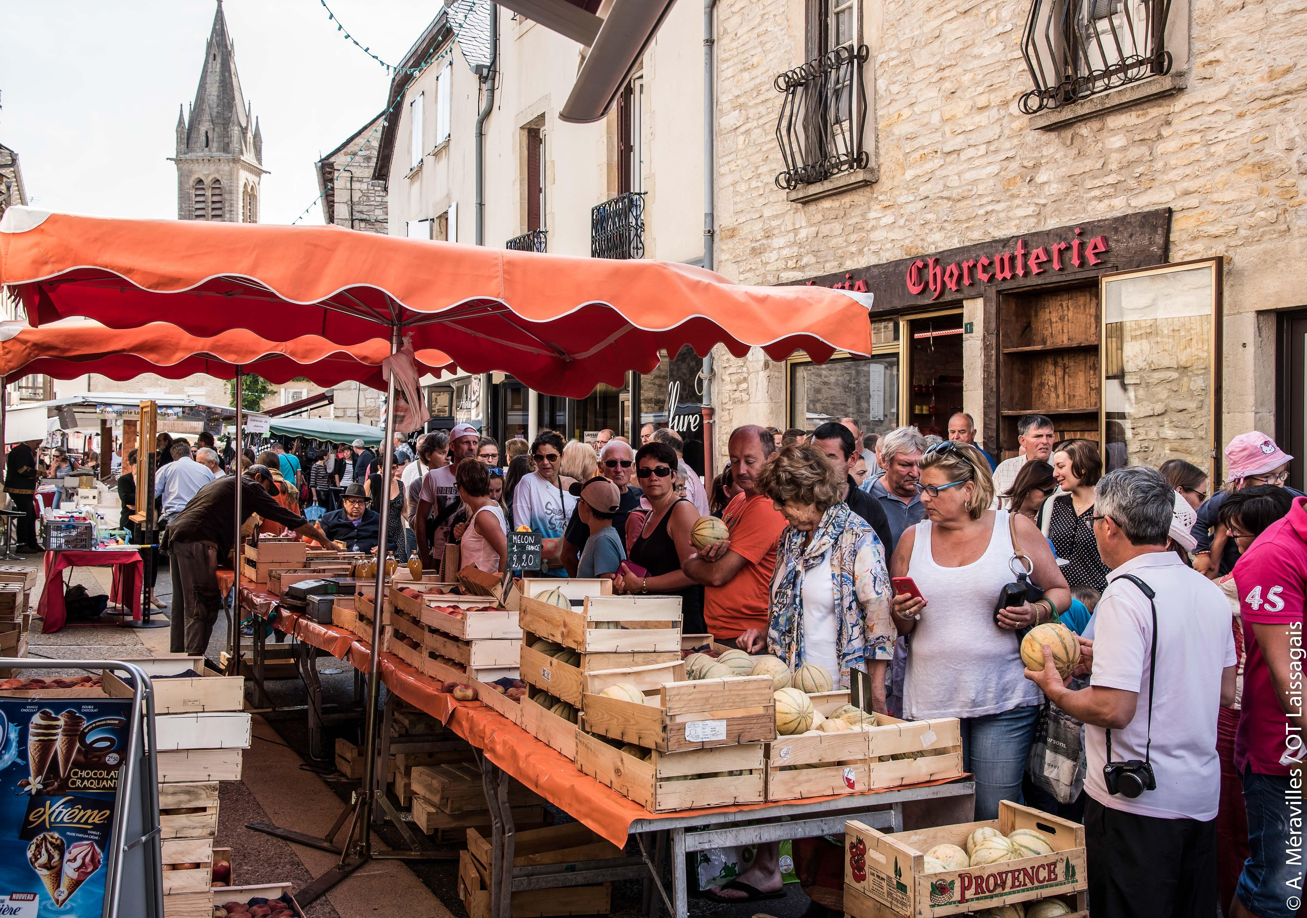 Marché de producteurs, Laissac, Aveyron © A. Méravilles / OT Laissagais
