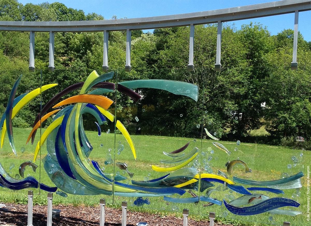 Sculpture de verre à Brommat © M. Hennessy / Tourisme Aveyron