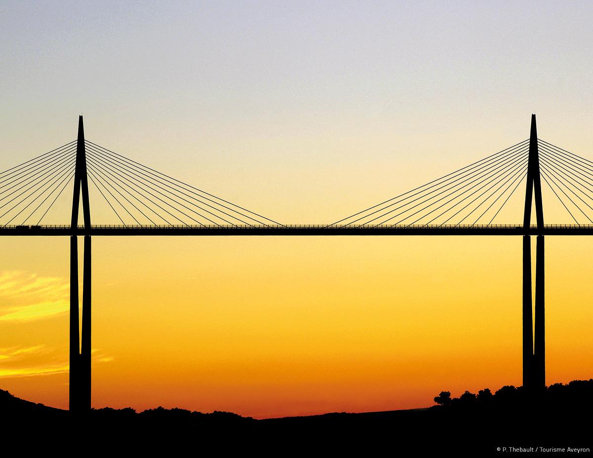 Viaduc de Millau © P. Thebault