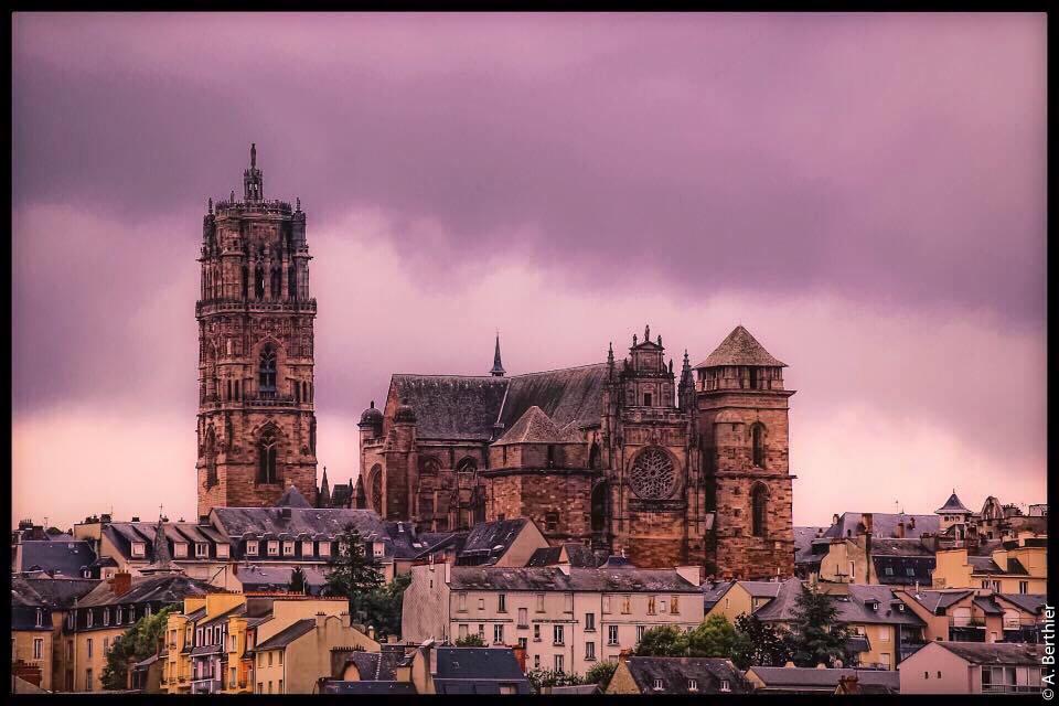 Cathédrale de Rodez au crépuscule, Aveyron