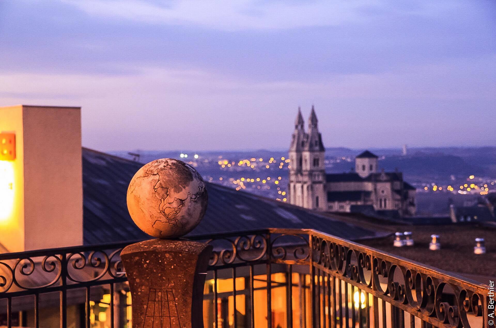 Sacré Coeur au crépuscule, Rodez, Aveyron