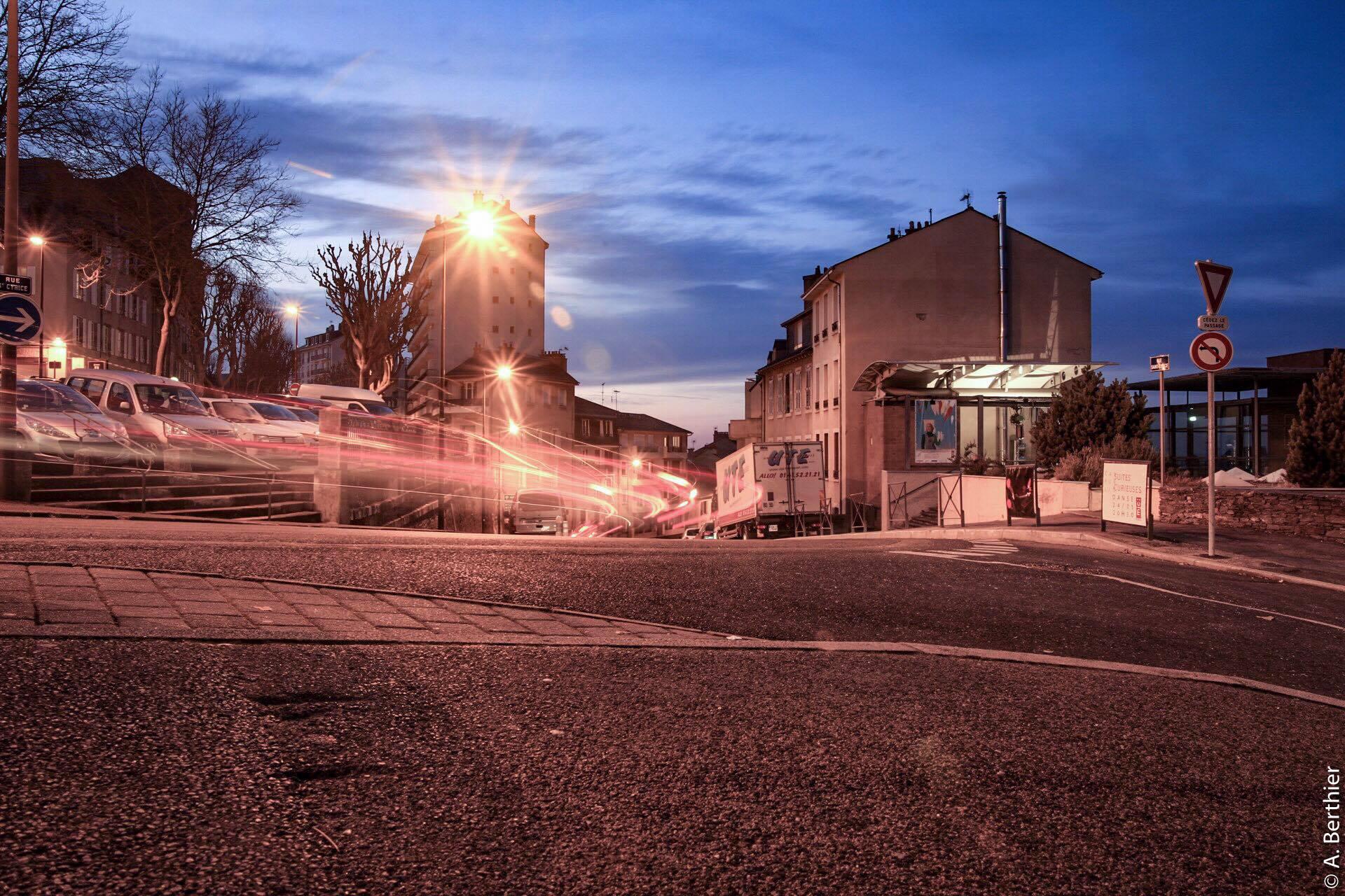 Jeux de lumières en haut de la rue Saint-Cyrice, Rodez, Aveyron