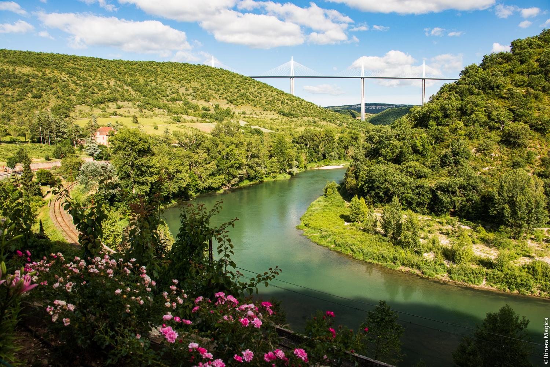 Viaduc de Millau vu de Peyre, Aveyron © Itinera Magica