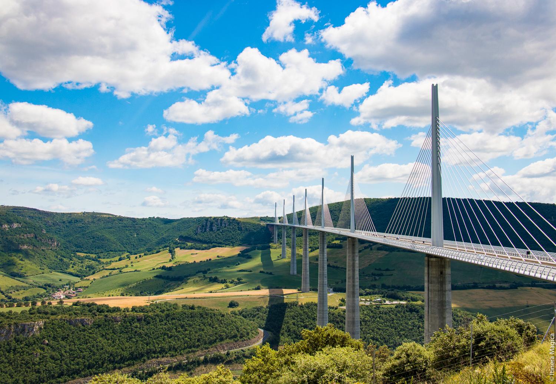 Viaduc de Millau depuis l'aire de vision, Aveyron © Itinera Magica