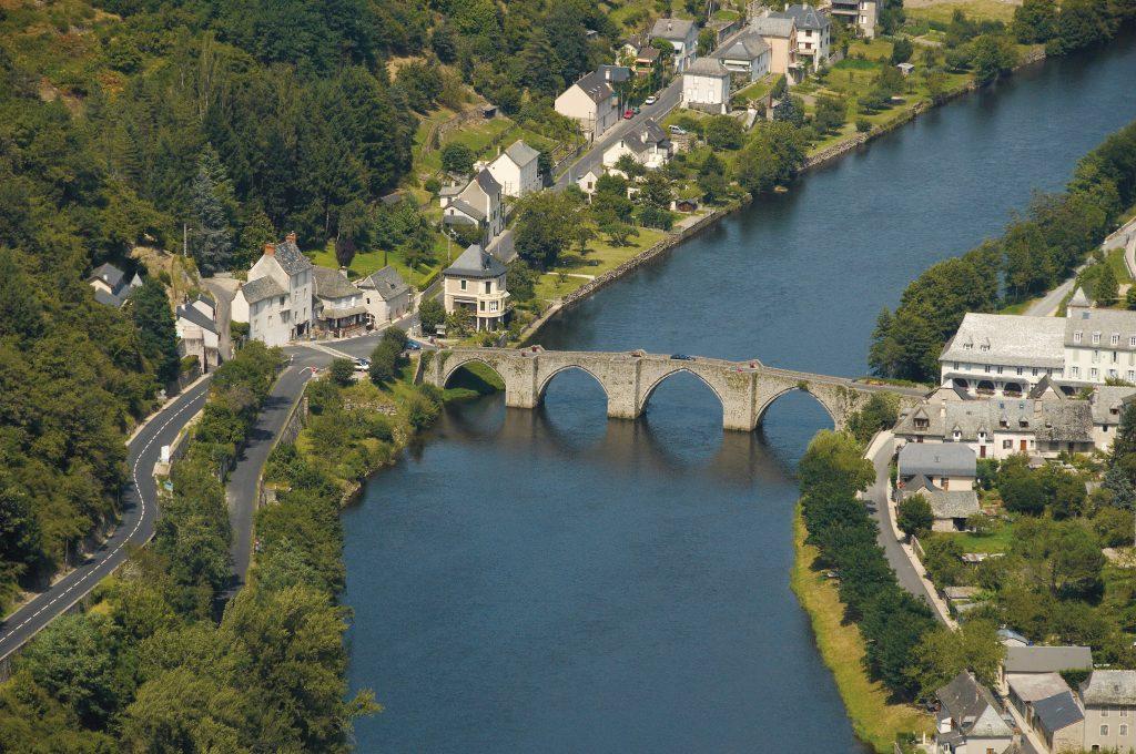 Pont d'Entraygues sur Truyère © OT Entraygues