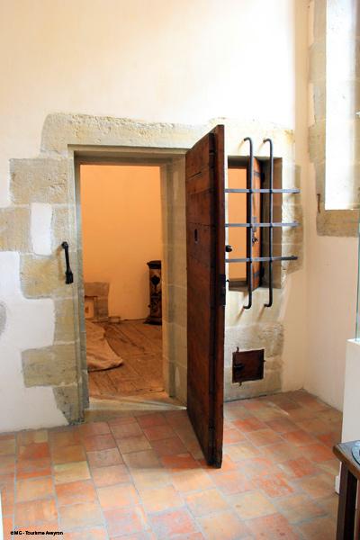 Cellule-Musee-Moeurs-et-Coutumes-Espalion-©-MG-Tourisme-Aveyron