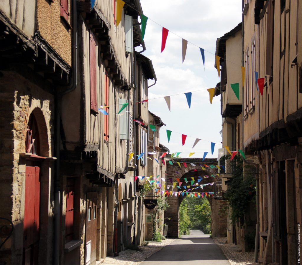 Sauveterre, ruelle © M.Hennessy - Tourisme Aveyron