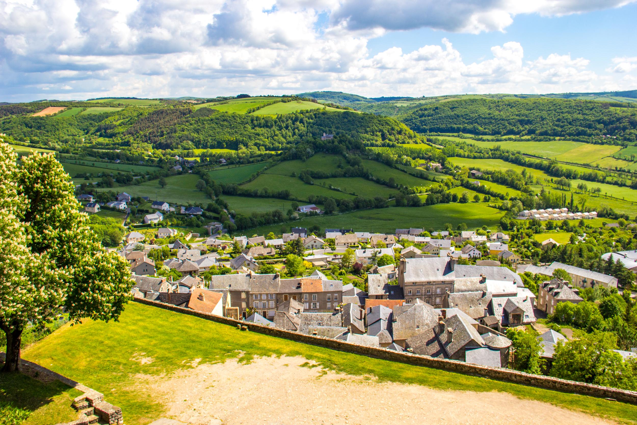 Panorama de Sévéerac-le-Château © M. Hennessy - Tourisme Aveyron