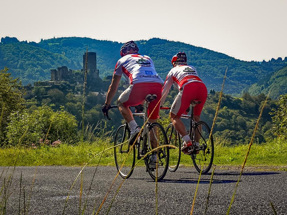 Vélo dans le Carladez, Aveyron © CycloClub du Carladez