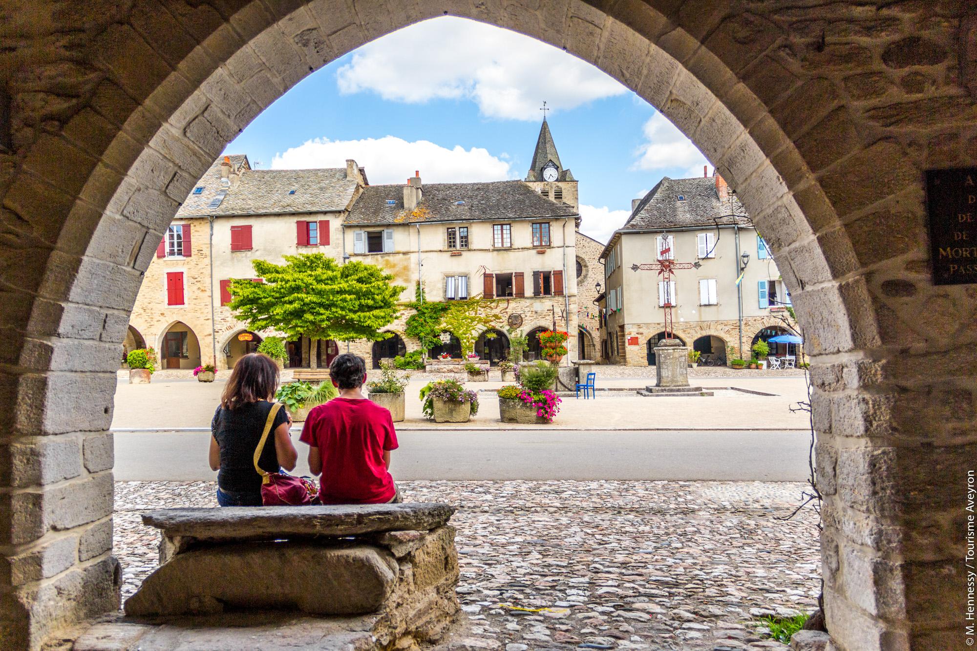 Sauveterre-de-Rouergue en Aveyron © M. Hennessy - Tourisme Aveyron